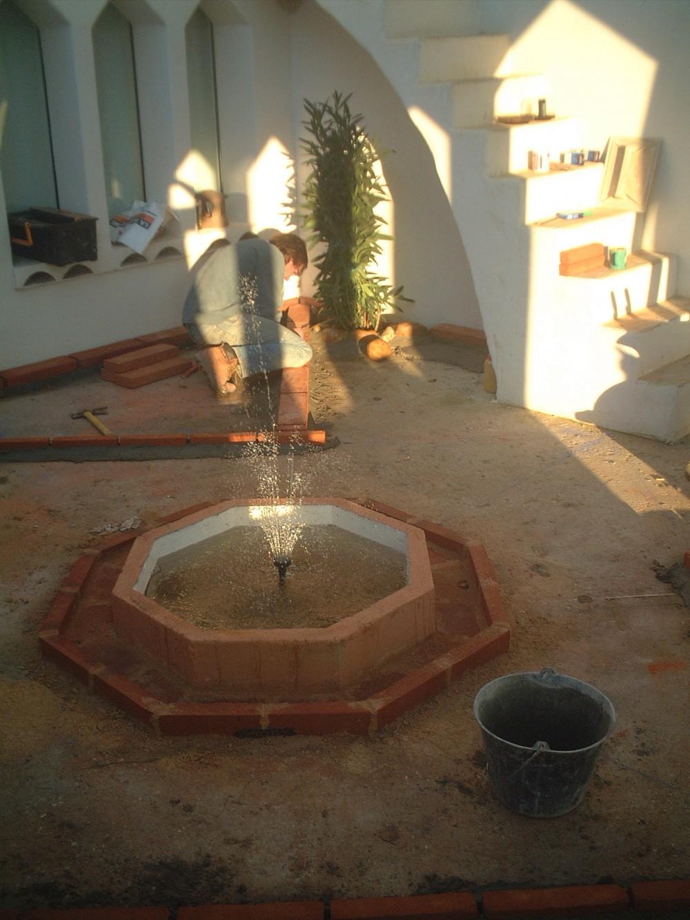 Le sol en construction, bassin avant mosaïque