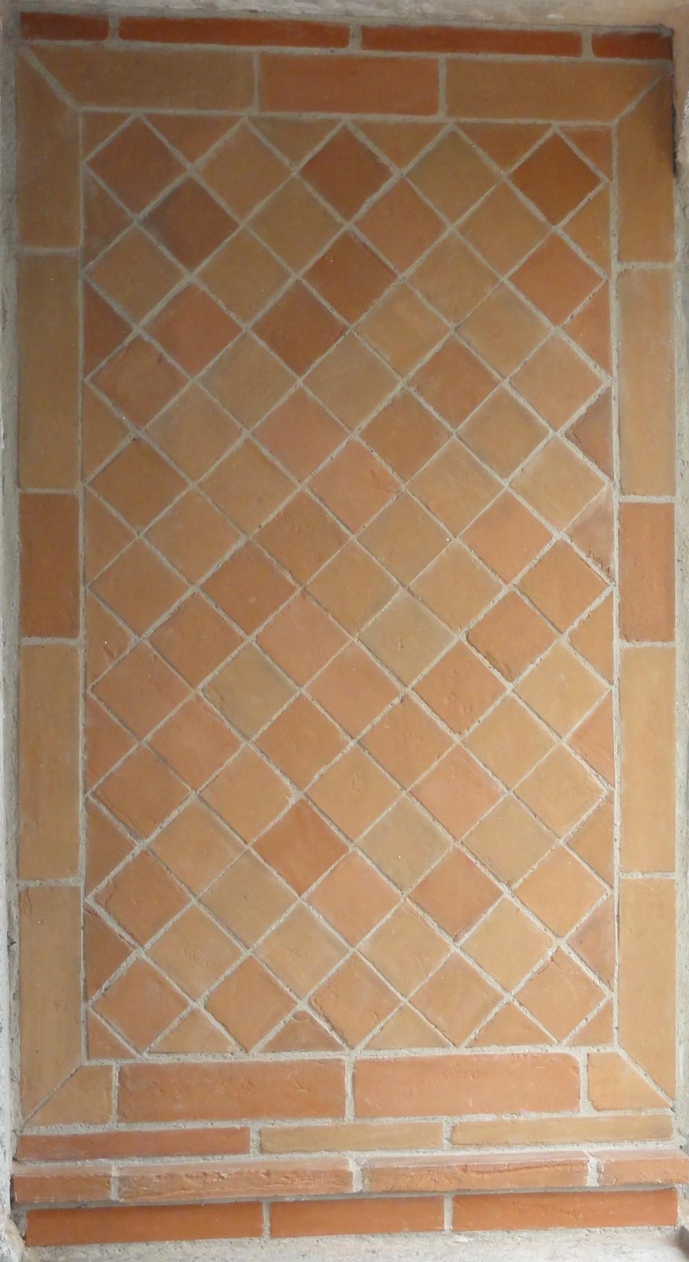 Tapis mural en briques