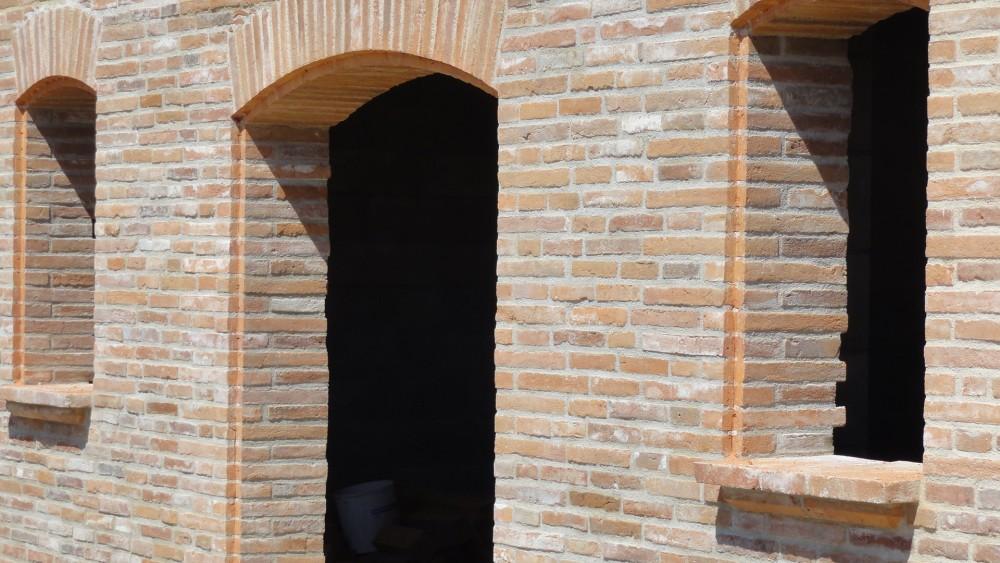 Ouvertures en briques foraines