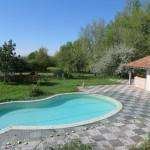 La piscine et le pool-house