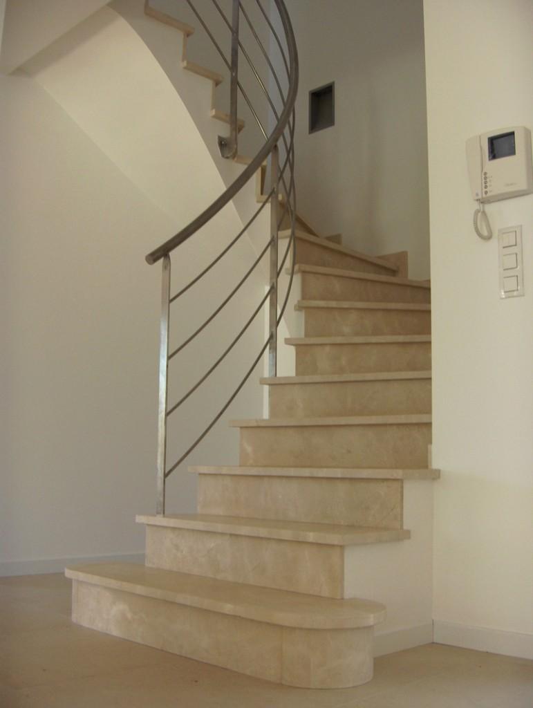 architecture pierre graff murs piliers autres r alisations 11 escalier sur vo te sarrasine. Black Bedroom Furniture Sets. Home Design Ideas